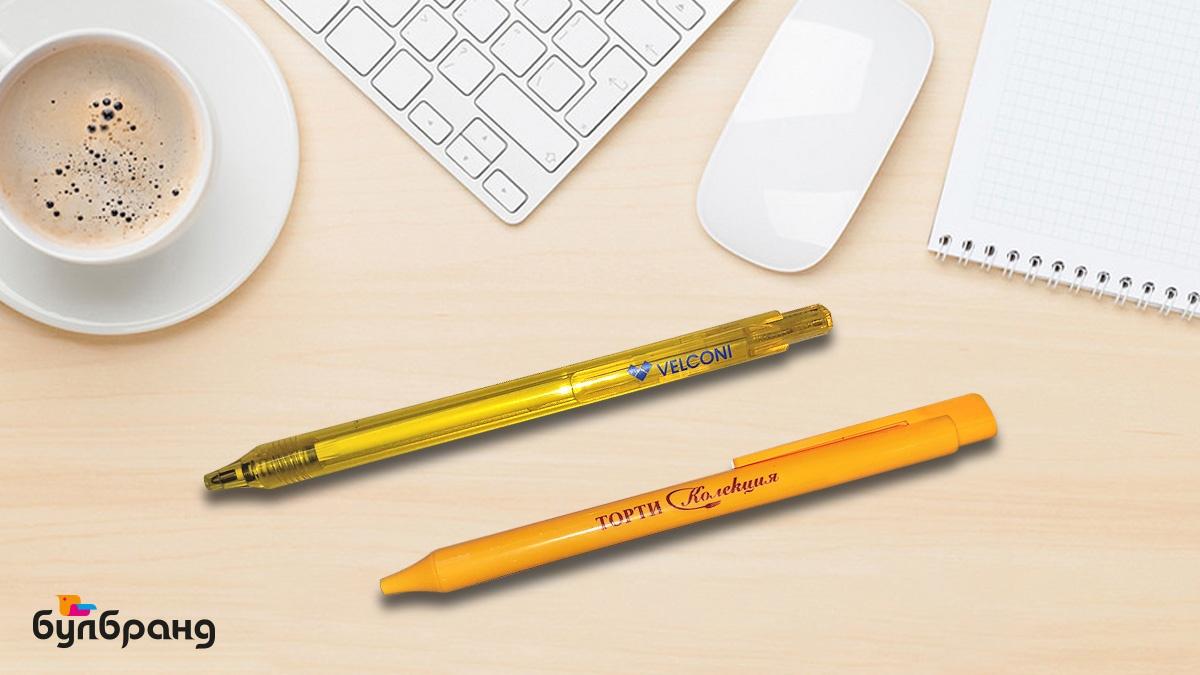 """Брандиране на рекламни химикалки, химикалка Schneider, плътен и прозрачен жълт цвят, синьо пишещи, лого на една позиция- тялото или клипса на химикалката, брандове: Velconi, торти """"Колекция"""", Булбранд Медия ООД"""
